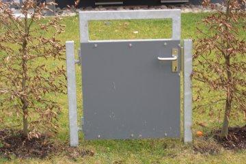 kleines Gartentor mit Profilzylinder und Türfalle
