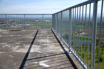 Geländer Stahl verzinkt Absturzsicherung Stabstahl Füllung senkrecht