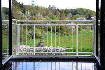 Geländer Edelstahl Balkon stehende Stäbe senkrechte Füllung