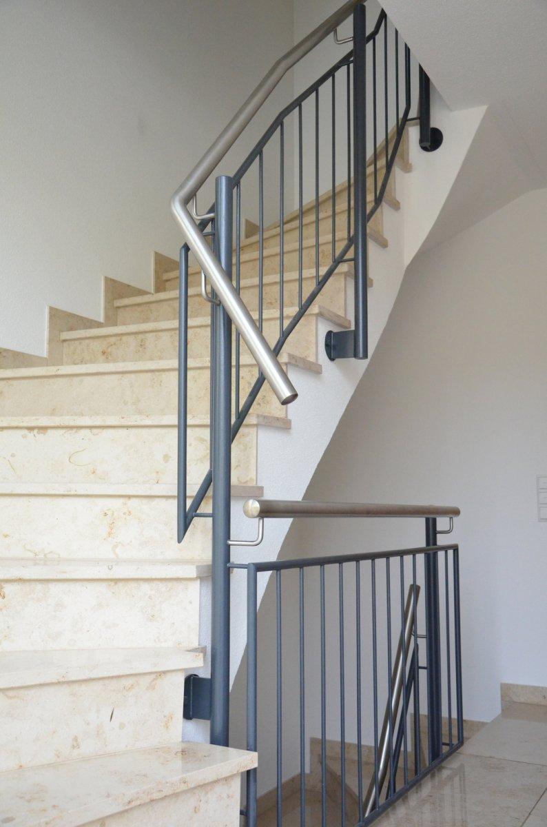 treppengel nder im treppenhaus medam gmbh. Black Bedroom Furniture Sets. Home Design Ideas